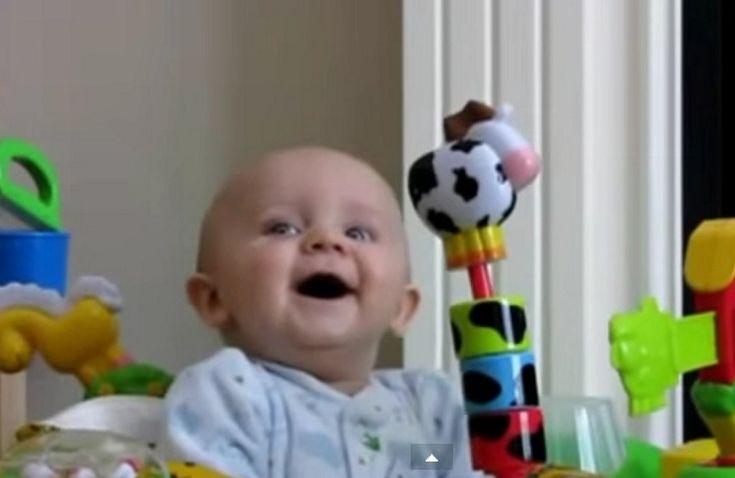 Vídeo: La risa contagiosa de los bebés ¡No dejes de reír!