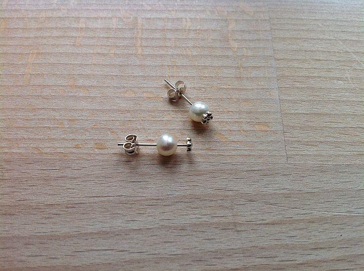 Bellas bedrifter: Ørestikker med udskiftelige perler...