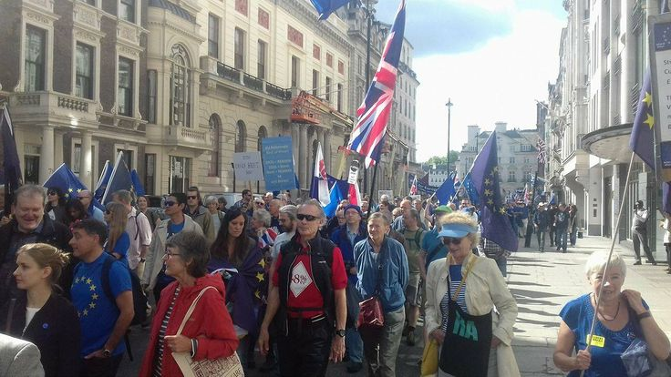 Thousands of pro-EU protesters march in London anti-#Brexit rally #Lead #Mallorca