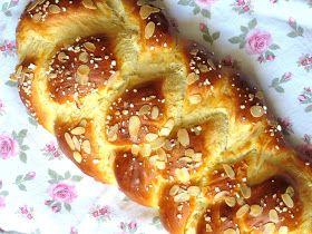 Der Hefezopf ist ein köstlicher Klassiker und für Genießer das perfekte Frühstück.   Habe ich Euch denn schon den weltbesten, fluffigsten ...