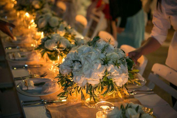 Art de la table looks great <3  White hydrangeas and olive brunches!