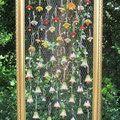 Schwebender Bilderrahmen mit Blütenglöckchen