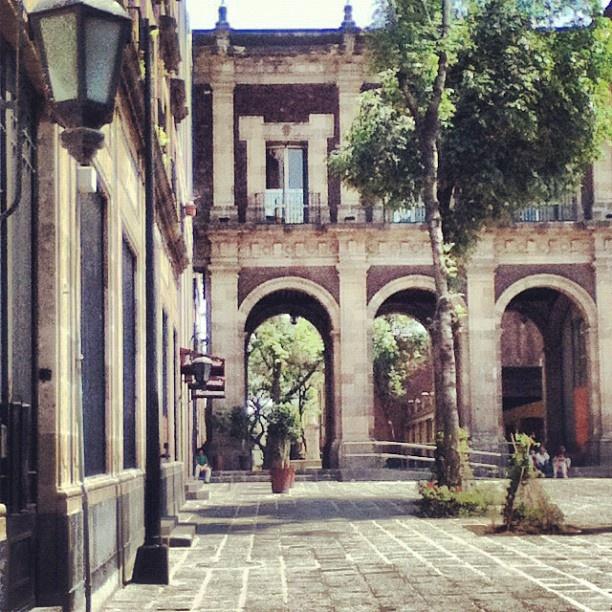 Plaza de Santo Domingo, Cd. de México.