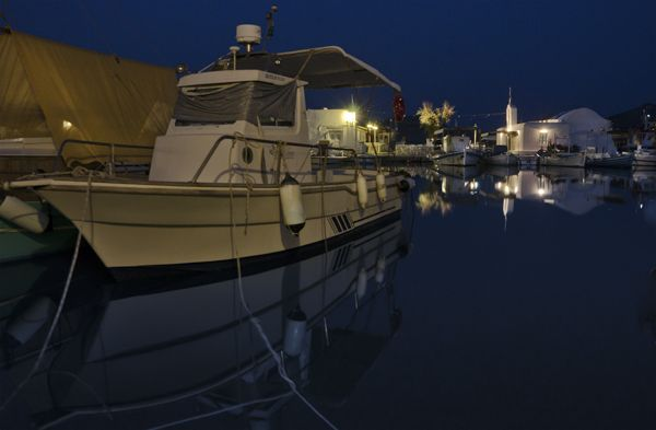 Reflections at the port