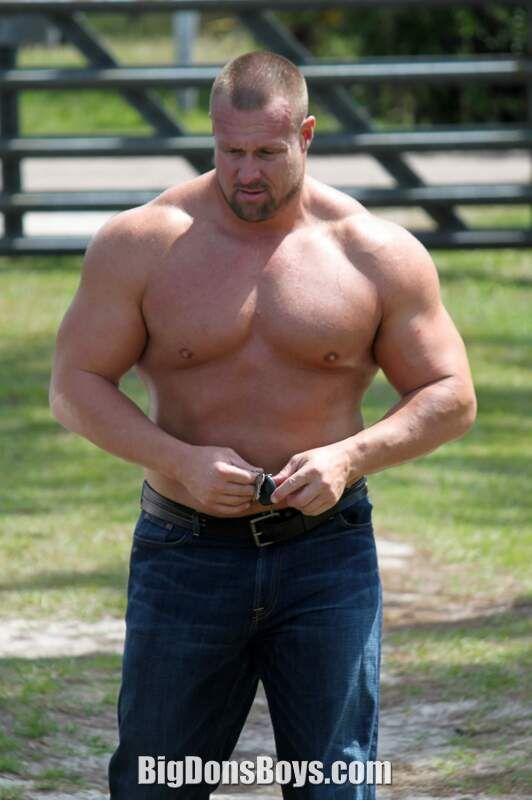 2a8acd0909e1 Image result for husky shirtless men