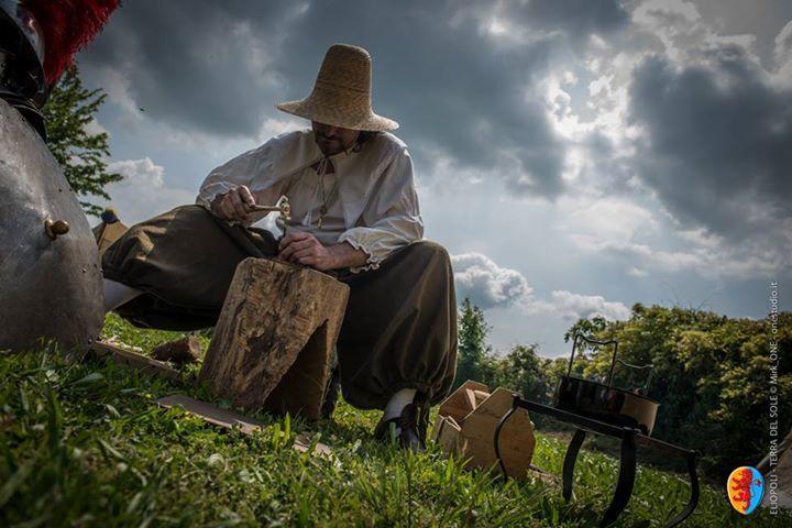 ELIOPOLI Il cesellatore al lavoro nell'accampamento del Bastione di San Martino © Mirk_One Studio
