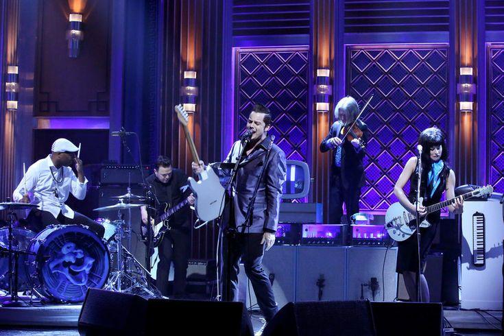 Джек Уайт дал последний концерт на ближайшее время - http://rockcult.ru/jack-white-last-show-acoustic/