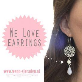 We love earrings! Zeker deze leukerds! http://www.wenn-sieraden.nl/oorbellen-opaal-wit  #oorbellen #bohemian #ibizasieraden #opaal #wit #earrings #earcandy #sieraden #Swarovski #sieradenparty
