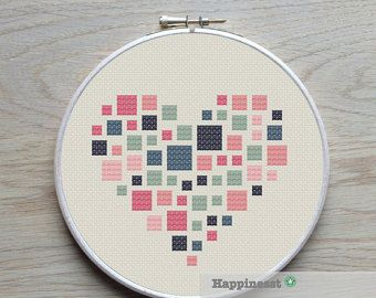 geometric modern cross stitch pattern heart squares di Happinesst