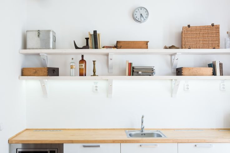 fusion white room - kitchen - design by @Tinquer Interiors  Photo: Jan Prigl Photography