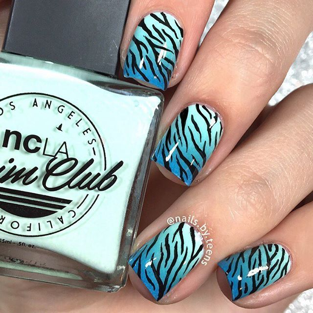 Gradient zebra nails Tutorial up now on  @nailsartaddictt  Products used: @shopncla 'take a dip' @laccbeauty '1977' @londontownusa 'jack of the union' @minimanimoonails mess no more