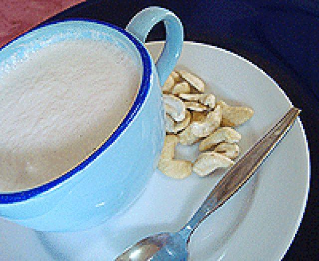 A No-Fuss Raw Vegan Cashew Milk You Can Enjoy Right Away: Raw cashew milk, a raw food recipe