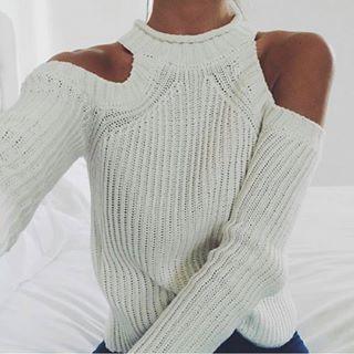 Cold Shoulder // AMARILO