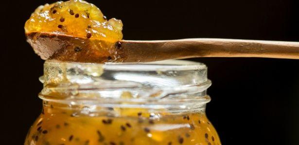 Cachaça dá toque especial a geleia de kiwi. Aprenda como preparar em casa