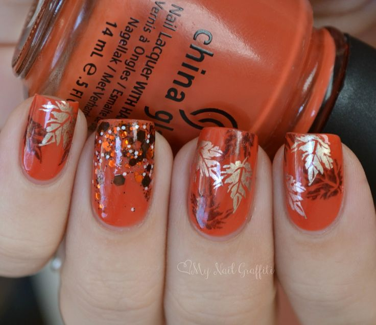 Autumn leaves mani: base is China Glaze Life Preserver and the accent nail has Sweet Potato Souffle from Hit Polish as a gradient at the tips. The colors for stamping are Essie Good As Gold and Sally Hansen Insta Dry Coco-a-Go-Go