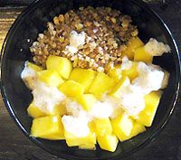 Raw food breakfast cereal muesli