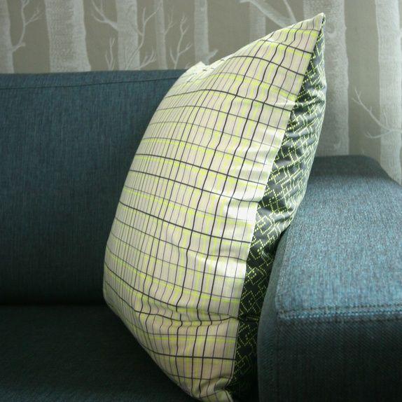 Putetrekk - neongult og grått, Linnerla. Til salgs på epla.no/shops/linnerla