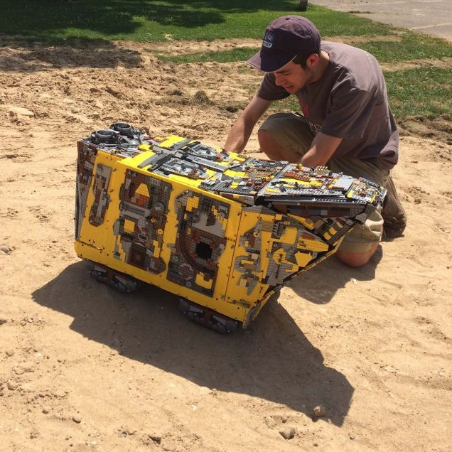 Behold This Massive 10000 Brick Lego Technic Star Wars Sandcrawler