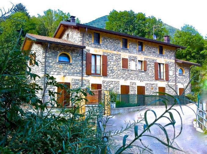 Il Talento nella quiete è un magnifico agriturismo e B&B sperduto nella Val d'Intelvi, vicino al Lago di Como. Gestione familiare, prodotti del territorio e cura per i dettagli