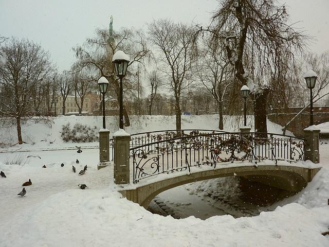 WinterChristmas Snow, Favorite Places, Boys Things, Beautiful Illustration, Winter Wonderland, Beautiful Photographers, Walks Bridges, Latvian Bridges, Winter Bridges