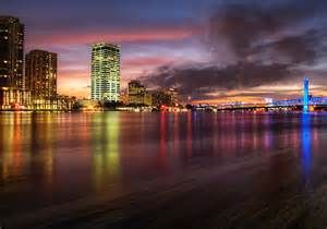 Jacksonville Riverwalk - Bing Images