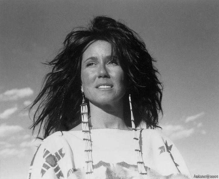 "Mary McDonnell, ""Dances with Wolves""                                                                                                                                                                                 Plus"
