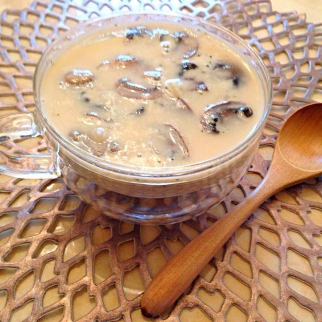 おはようございます♥︎  牛乳の残りでマッシュルームスープ♥︎ 残り物てんこ盛りスープw - 116件のもぐもぐ - 牛乳のマッシュルームスープ by ultimate16