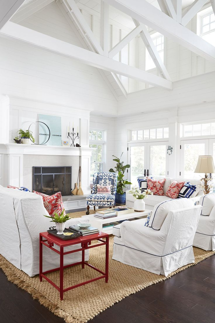 This 8 Bedroom Lake House Is The Vacation Home Of Our Dreams Lake Cottage Decor Home Living Room Country Cottage Decor
