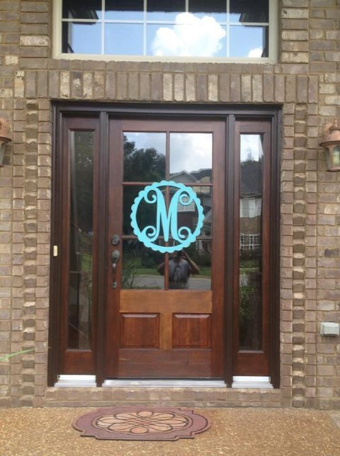 Hat Creek Designs: Monogram Wood Door Hanger - Scallop