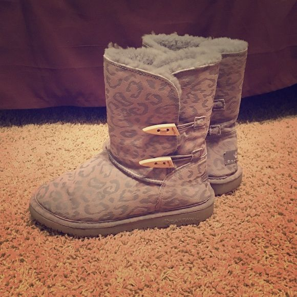bearpaw boots gray. cheetah/animal print. the fur is still in great shape. love these boots. so warm. Abigail style bearpaw Shoes Winter & Rain Boots