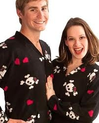 Cute his and hers skull and heart shirts.