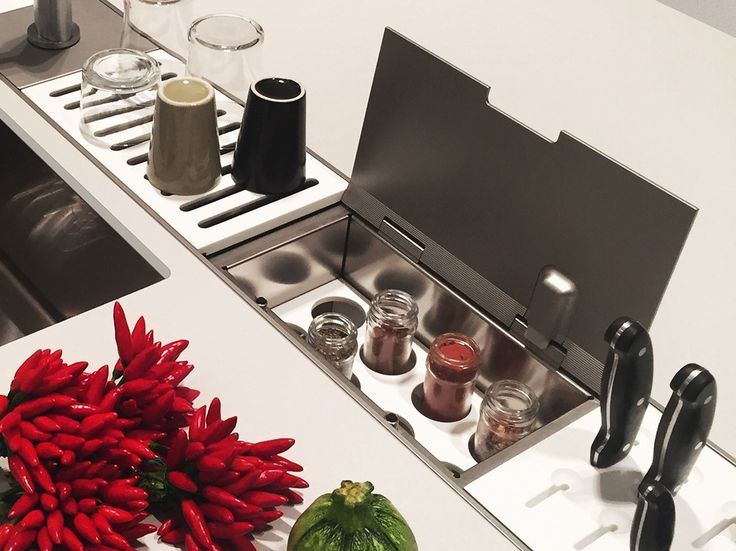 203 best images about canale attrezzato cucina on pinterest plan de travail knife block and - Canale attrezzato valcucine ...