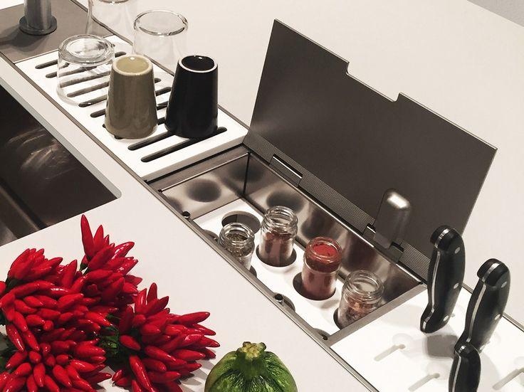Oltre 25 fantastiche idee su portaspezie su pinterest - Furgone attrezzato con cucina ...