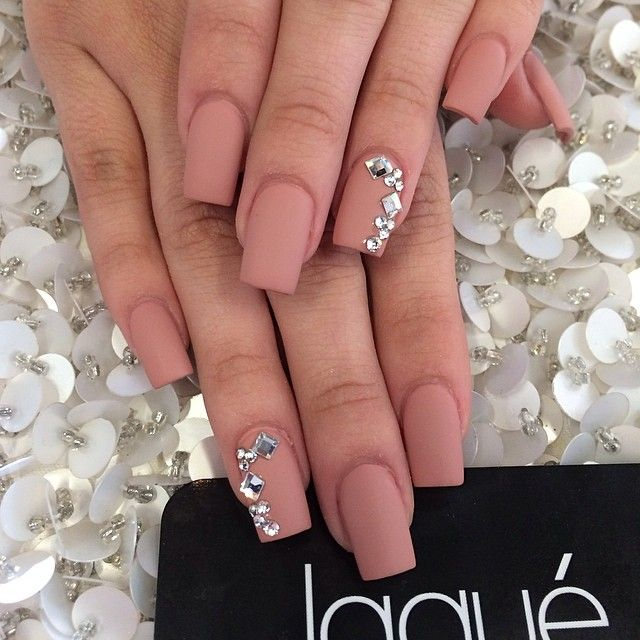 @jussttinnee_ thank you for coming in....full set matte with Swarovski $44 #laquenailbar