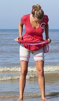Upsa! is het nieuwe hippe broekje dat je onder je kleding draagt maar geen onderbroekje is. De Upsa! is een hippe hotpant die bescherming biedt tegen nieuwsgierige blikken en je niet meer in verlegenheid brengt als je rok omhoog waait! Nieuwsgierig? Lees verder want HippeShops doet twee Upsa! hotpants cadeau aan haar lezers! [...]