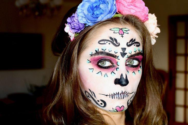 Tuto maquillage spécial Dìa de Muertos en vidéo. Retrouvez les étapes pour refaire ce maquillage chez vous ! Happy Halloween à tous