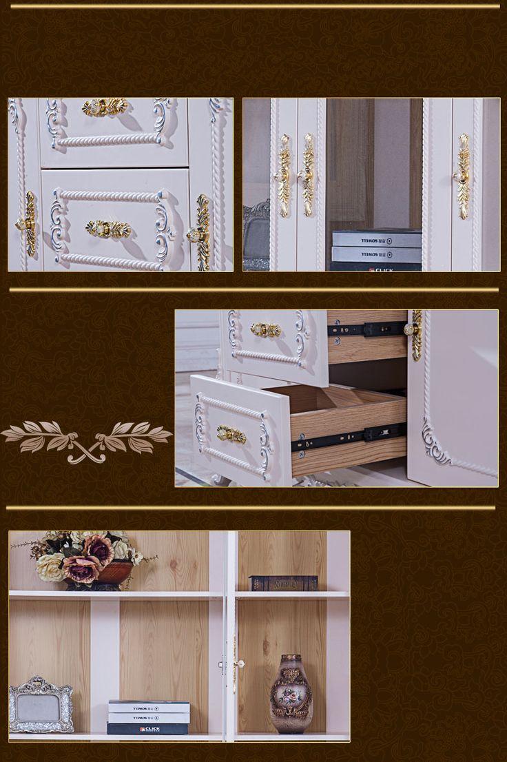 Декоративные элементы высокого книжного шкафа белого цвета с полками
