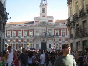 The Best Mobile Phone Deal for Just-Landed Expats in Madrid #cheapest #cell #phone #plans http://mobile.remmont.com/the-best-mobile-phone-deal-for-just-landed-expats-in-madrid-cheapest-cell-phone-plans/  The Best Mobile Phone Deal for Just-Landed Expats in Madrid You know you should have a Spanish phone number when Spaniards arrive late and do not warn you ! Just landed in Madrid. The first thing you need is a Spanish mobile phone number to make friends, find a flat and start your new…