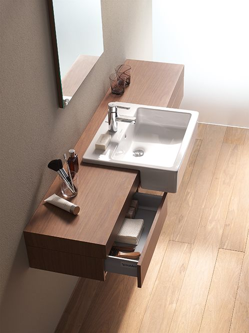 Fogo console and Vero half buit-in washbasin in an extravagant style.