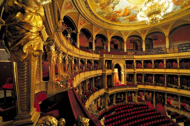 Turismo em Budapeste: veja o que fazer na capital da Hungria - Ópera Nacional Húngara