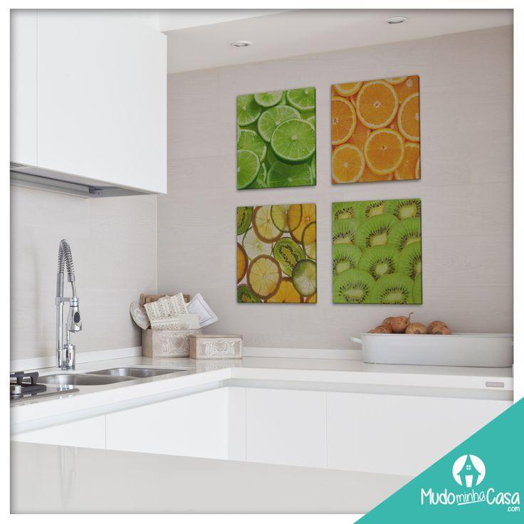 Quer colocar um pouco de cor na sua cozinha? Experimente decorar com Quadros em Tela Canvas com imagens chamativas. Eles darão um up no ambiente mais queridinho de todas as casas!
