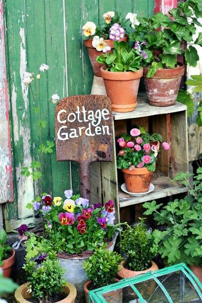 Old shovel makes perfect garden decoration