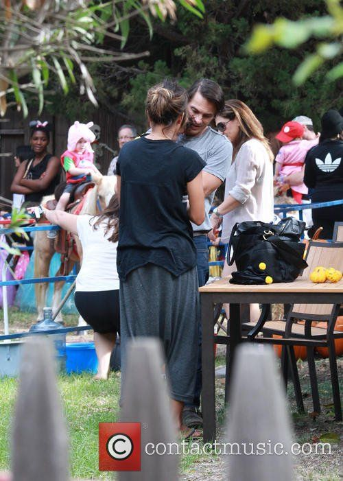 Halle Berry , Olivier Martinez - Halle Berry, Oliver Martinez, and their son Maceo attend a Halloween festival - Los...