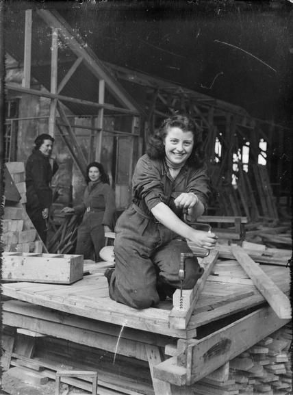 U.K. Women carpenters, 1941 vintage found photo 40s war era overalls work wear rosie riveter style fashion