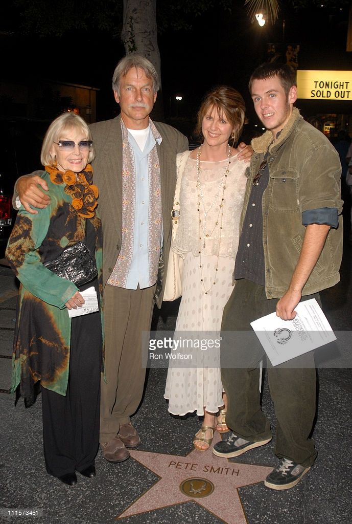 Elyse Knox, Mark Harmon, Pam Dawber and son Sean during 'Jesus Christ Superstar' Los Angeles Performance - August 13, 2006 at Ricardo Montalban Theatre in Los Angeles, California, United States.