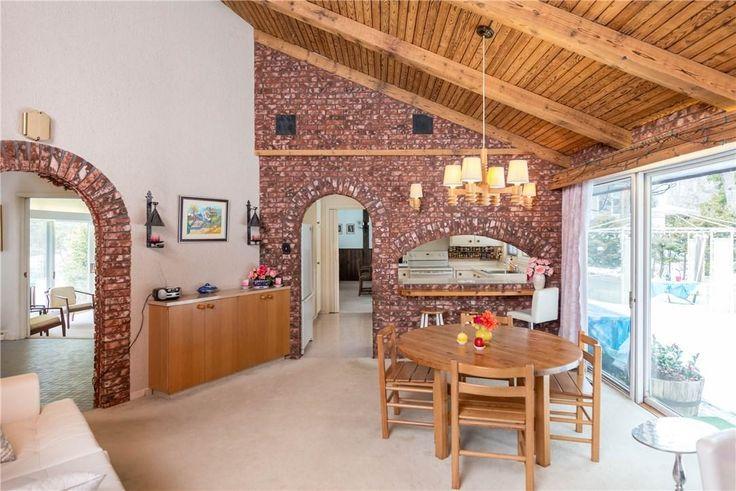 Mid-century modern home boasts heritage https://www.snapuprealestate.ca/listing/Ottawa-ON/house-for-sale-110-Lakeway-Dr%2C-Rockcliffe-Park%2C-ON-K1L-5B2-5969225605?mortgageVar=m3&utm_expid=87617851-1.urOs7_xsRdulcbXmFu_bHA.3&utm_referrer=https%3A%2F%2Fwww.snapuprealestate.ca%2FmanageListing
