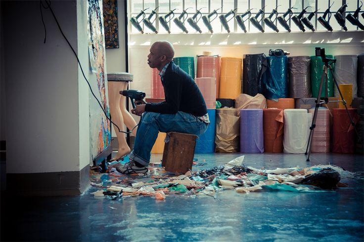 Mbongeni Buthelezi – Recycle. Upcycle. Art. | ART – MOVIE – BOOK