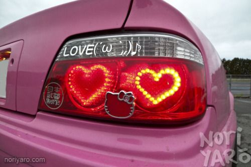 custom tail lights - OMFG I WANT THOSE!!! ..Minus the Hello Kitty symbol in the middle.. Omg.. :]]
