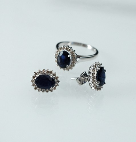 Parure di Zaffiri e Diamanti £2150