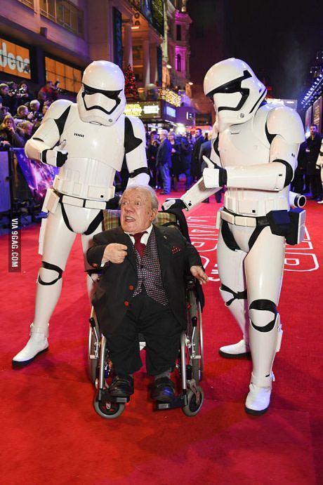 R2-D2 Actor Kenny Baker Dies at 83 R.I.P R2-D2